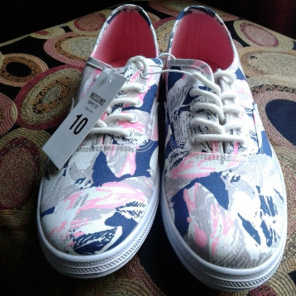 7be6596cc7b69 Mossimo Supply Co. printed canvas shoe size 10